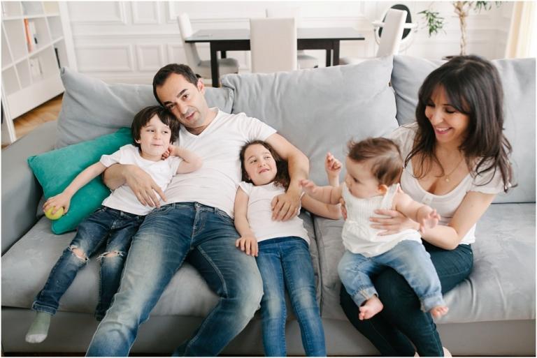 Séance photo famille à domicile 17e arrondissements Paris