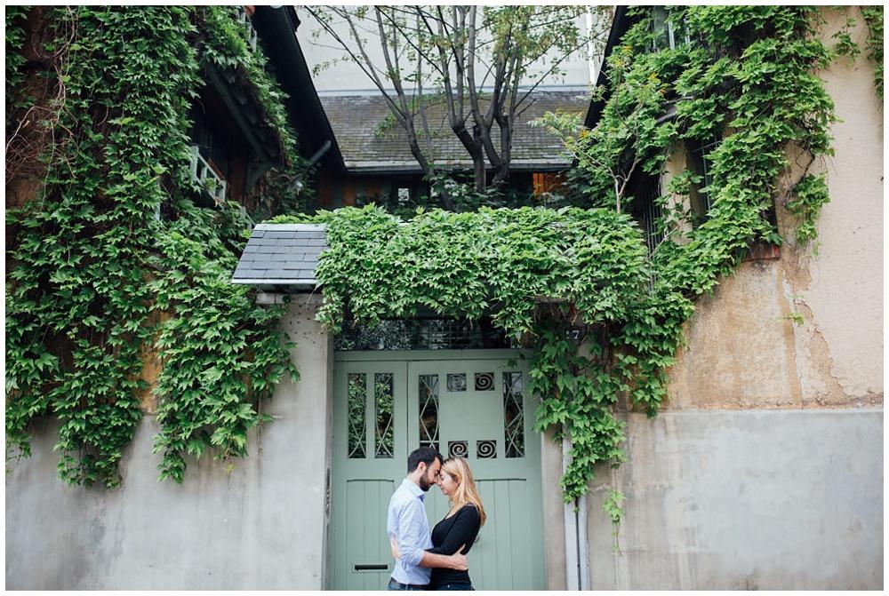 seance-couple-photographe-de-mariage-aix-montmatre-paris